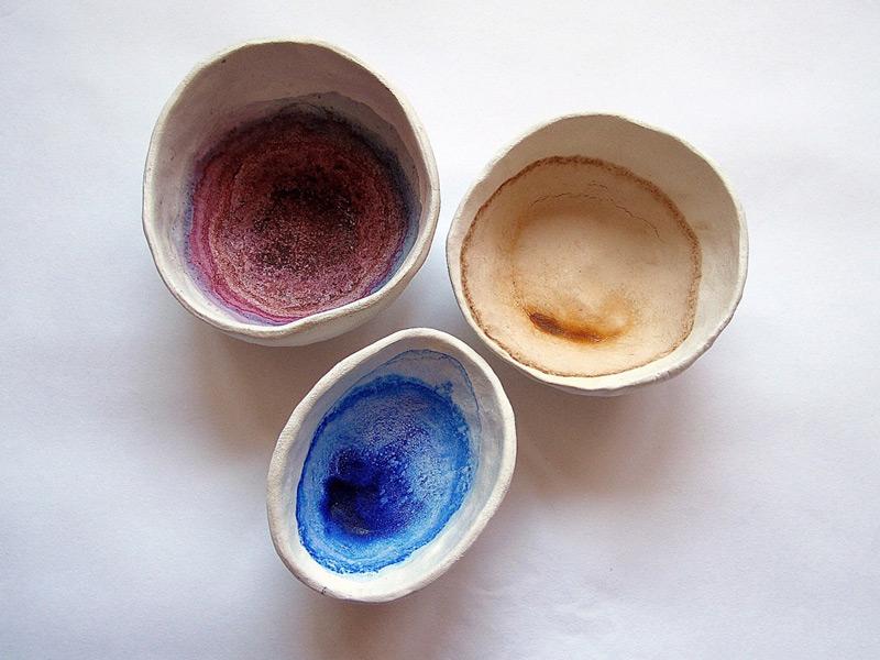 Colour Bowls Prosess // Värikulhoprosessi, 2011. Modelling paste, berry juice, tea, watercolour, time